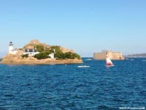 gîte-location-de-vacances-roscoff chateau du taureau